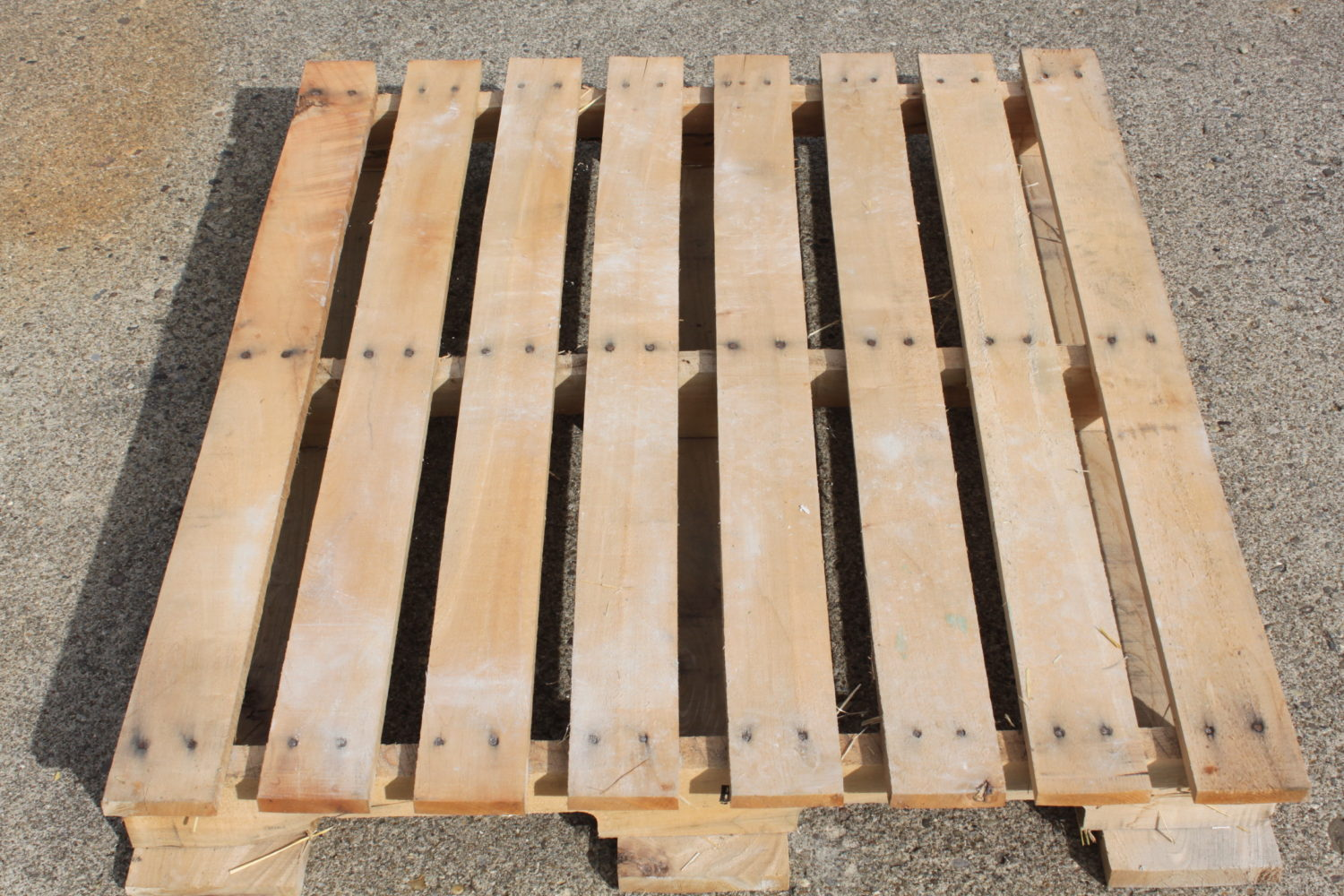 Where To Find Free Pallets For Craft Projects!