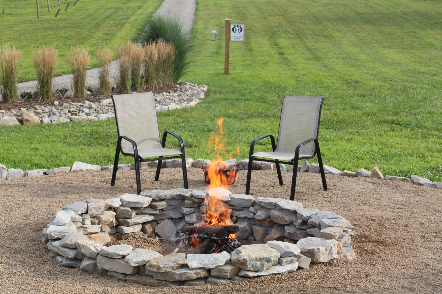 Inexpensive Backyard Fire Pits : How To Create A Beautiful, Inexpensive Backyard Fire Pit