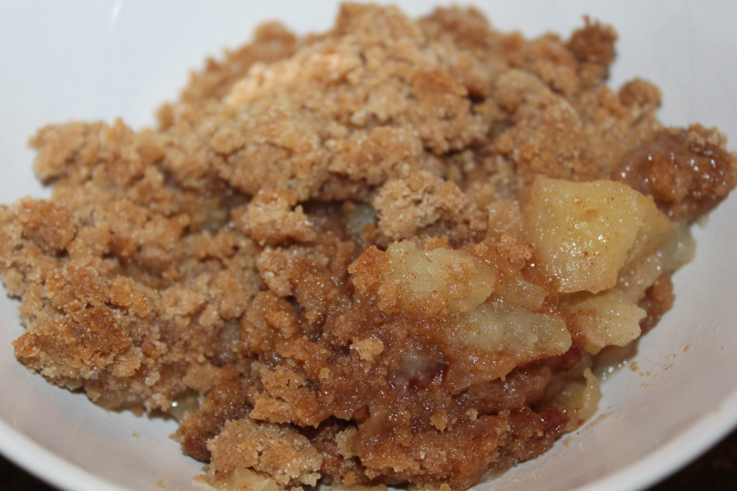 Grandma 39 s quick and easy apple crisp recipe only 5 for Easy apple dessert recipes with few ingredients