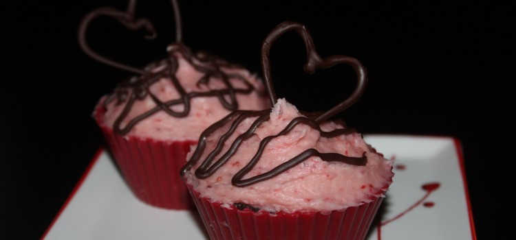 Chocolate Cupcakes With Strawberry Icing – For Two!