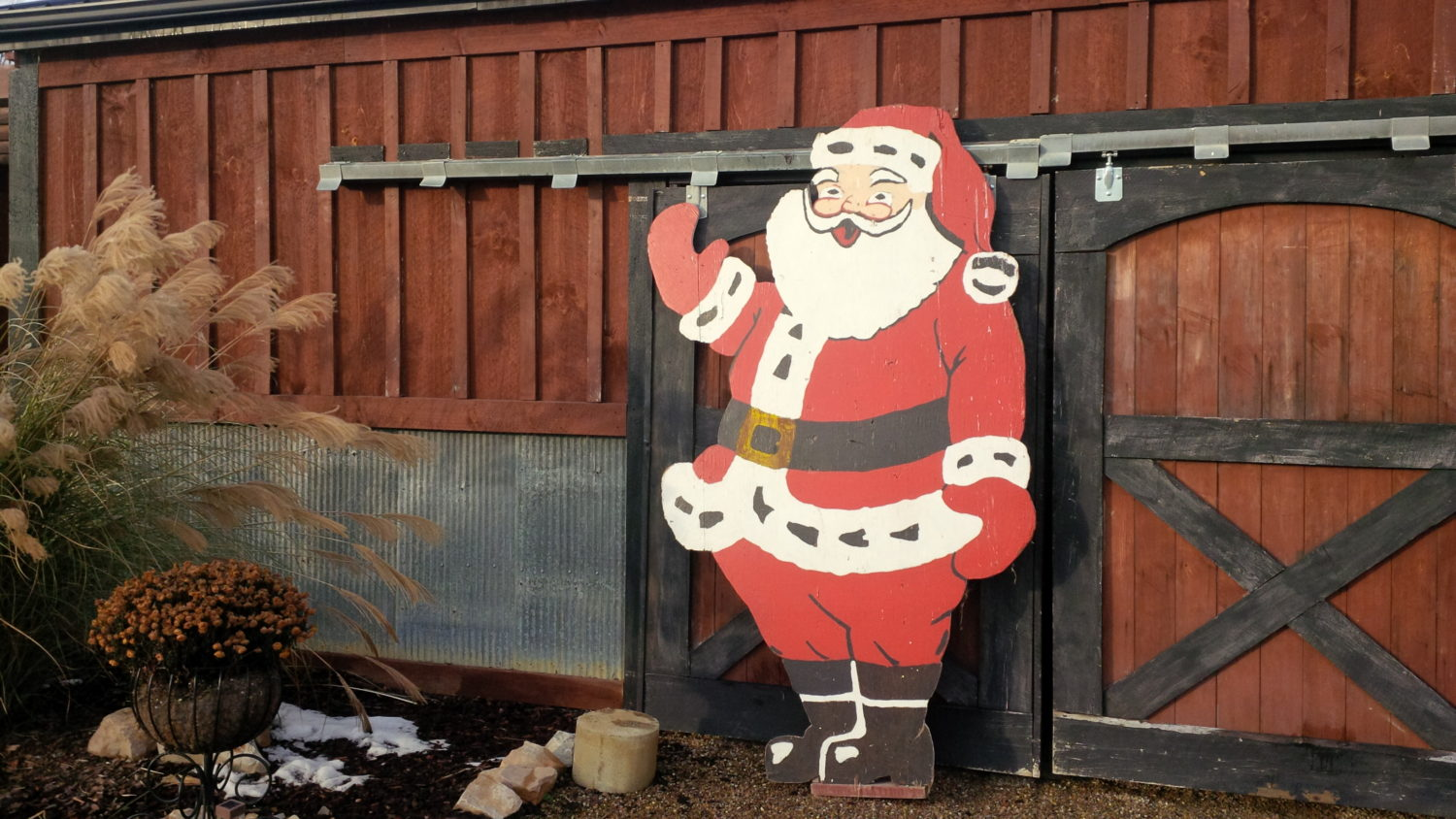 Santa Claus Is Back With His Barn! A Family Tradition Continues