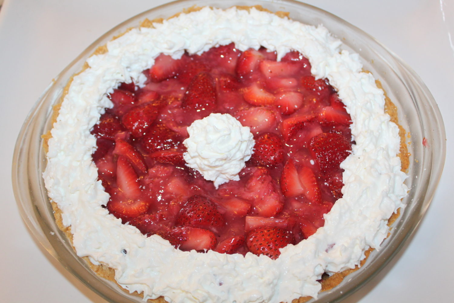 Classic Strawberry Pie Recipe – No Gel Bags Required!