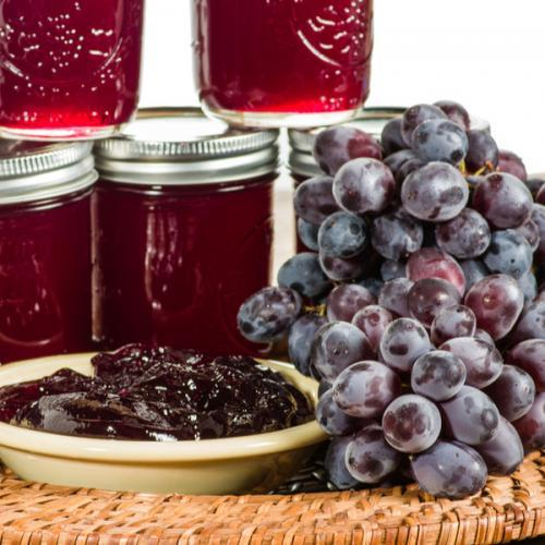 homemade grape jelly recipe made with fresh grapes or juice
