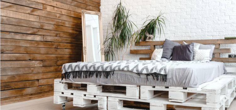 How To Create An Amazing, Gorgeous DIY Pallet Wall – For Free!