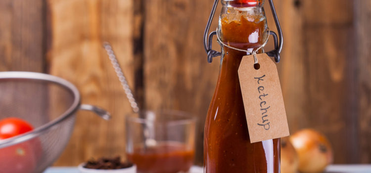 Homemade Ketchup From Fresh Tomatoes – With No Refined Sugar
