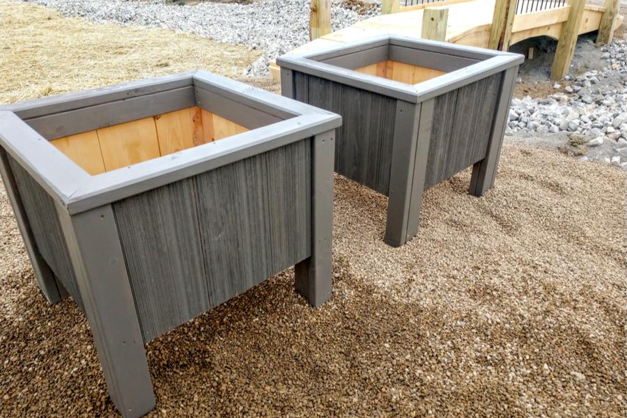 5 gallon bucket planters - grow in 5 gallon bucket planters