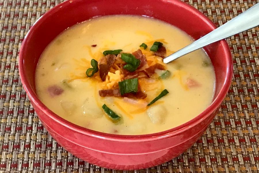 Cheesy Potato & Ham Soup