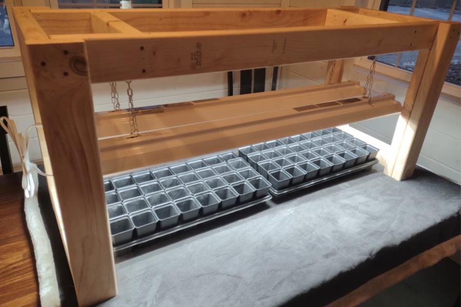 tabletop seed rack