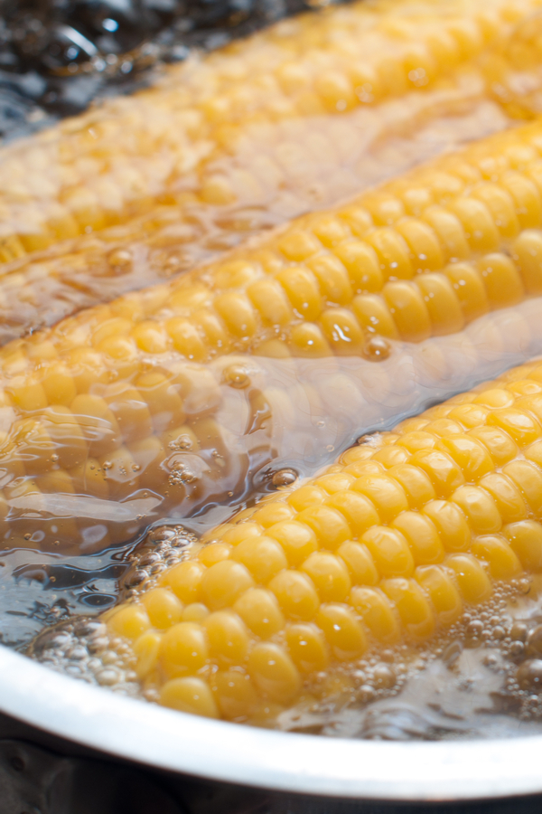 boiling corn on the cob