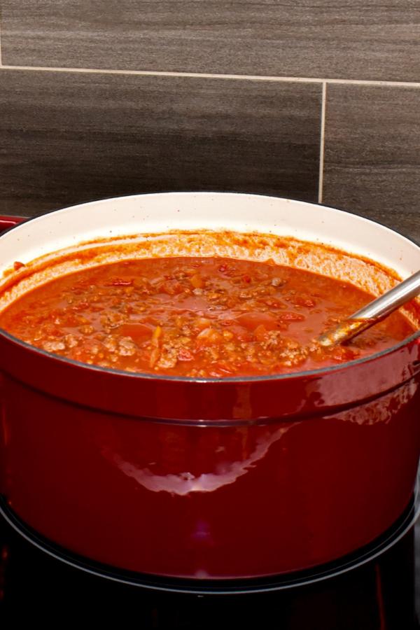 pasta sauce on stove